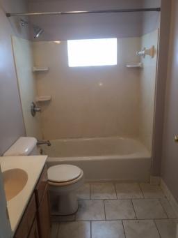 747 wells bathroom